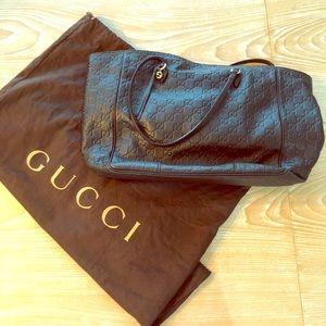 Great condition. AUTHENTIC Gucci monogram tote